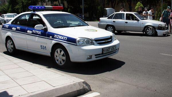 Avtomobil pravooxranitelnыx organov Uzbekistana na meste DTP - Sputnik Oʻzbekiston