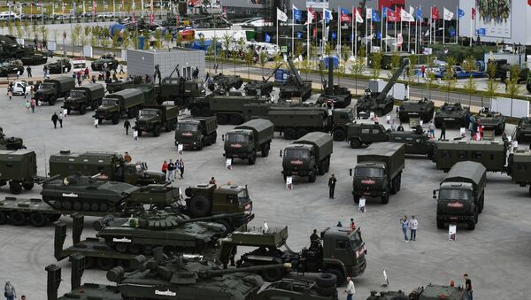 Экспозиция военной техники  - Sputnik Ўзбекистон