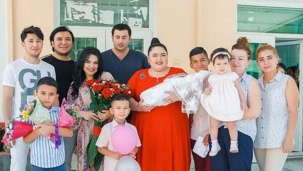 Певица Нилуфар Усманова стала мамой в пятый раз - Sputnik Узбекистан