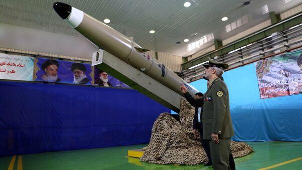 Иранская баллистическая ракета нового поколения Фатех - Sputnik Ўзбекистон