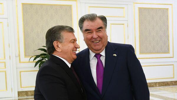 Эмомали Рахмон и Шавкат Мирзиёев - Sputnik Узбекистан