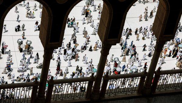 Мусульманские паломники во время ежегодного хаджа в священный город Мекка - Sputnik Узбекистан
