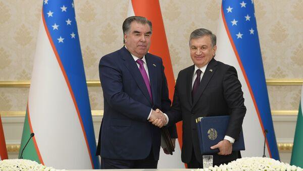 Emomali Raxmon i Shavkat Mirziyoyev - Sputnik Oʻzbekiston