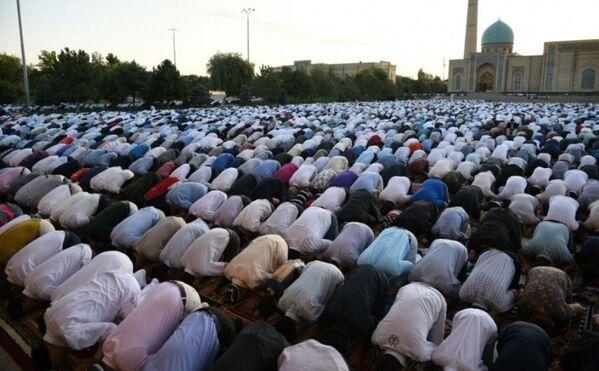 Курбан хайит – одна из основных дат ислама, в эти дни мусульман призывают к объединению, доброте и милосердию к ближнему. - Sputnik Узбекистан