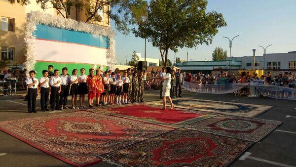 В махаллях Ташкента отмечают 27 летие Дня Независимости Узбекистана - Sputnik Ўзбекистон