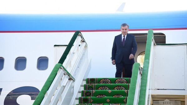 Shavkat Mirziyoyev pribыl v Turkmenistan na forum po spaseniyu Arala - Sputnik Oʻzbekiston