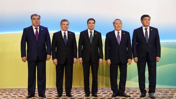 Vstrecha prezidentov v Turkmenbashi - Sputnik Oʻzbekiston