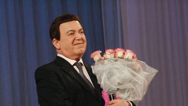 Первый заместитель председателя Комитета Государственной думы РФ по культуре, певец Иосиф Кобзон - Sputnik Узбекистан