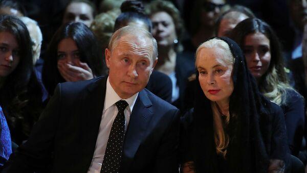 Президент РФ В. Путин посетил церемонию прощания с Иосифом Кобзоном - Sputnik Узбекистан