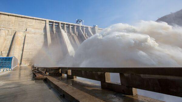 Плотина ГЭС на реке - Sputnik Ўзбекистон
