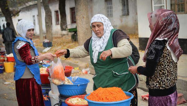 Зеленый рынок в Душанбе - Sputnik Узбекистан