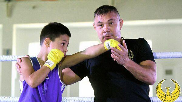 Eks-chempion mira po boksu Konstantin Tszyu provel master-klass v Tashkente - Sputnik Oʻzbekiston