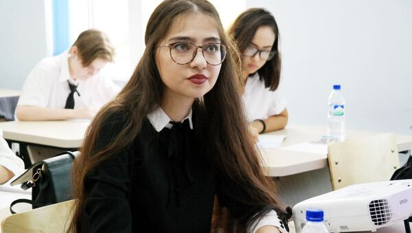 Osobennoye vnimaniye rukovodstvo udelyayet podgotovke programm po obmenu studentami - Sputnik Oʻzbekiston
