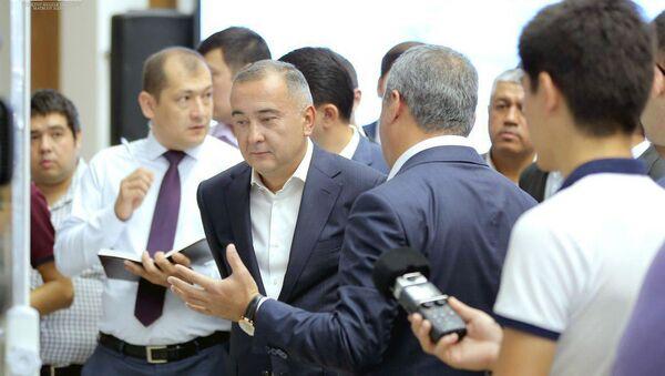 В столичном хокимияте прошла встреча исполняющего обязанности хокима столицы Джахонгира Артикходжаева с инвесторами - Sputnik Ўзбекистон