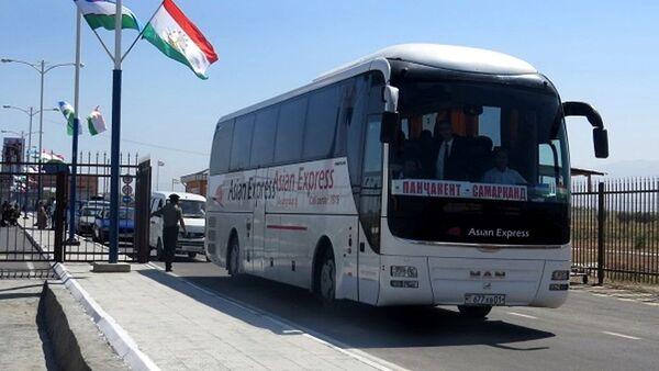 Pervыy avtobus Samarkan - Pendjikent - Sputnik Oʻzbekiston
