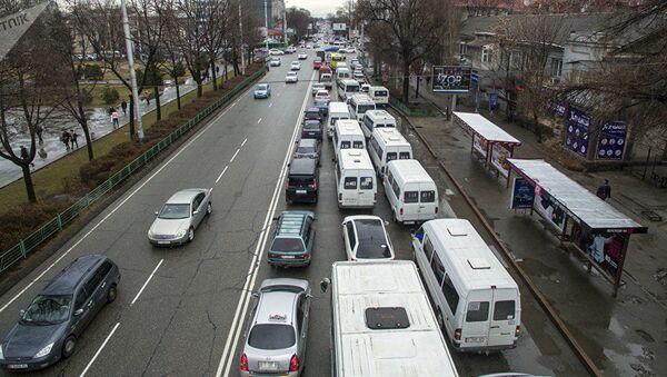 Probka na ulitse Bishkeka - Sputnik Oʻzbekiston