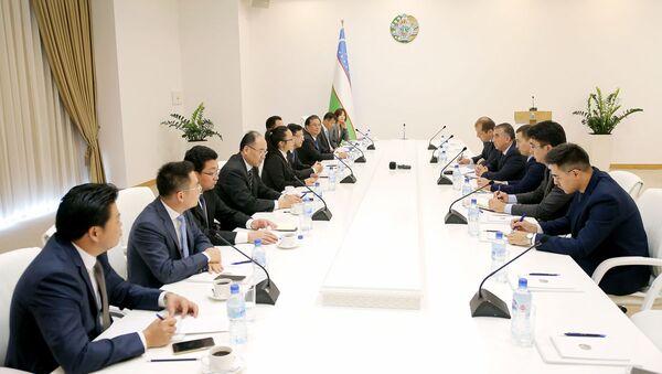 Встреча в хокимияте Ташкента с делегацией из Шанхая - Sputnik Ўзбекистон