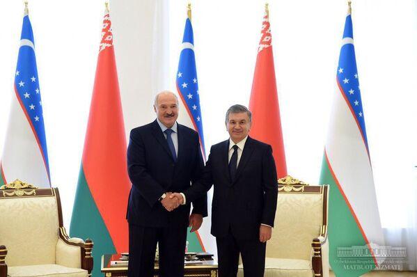 Президент Узбекистана Шавкат Мирзиёев и президент Беларуси Александр Лукашенко - Sputnik Узбекистан