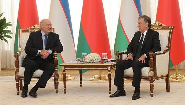 Встреча президента Узбекистана с президентом Беларуси в резиденции Куксарой - Sputnik Ўзбекистон