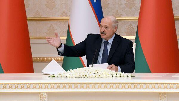 Президент Беларуси Александр Лукашенко на переговорах в Ташкенте - Sputnik Узбекистан