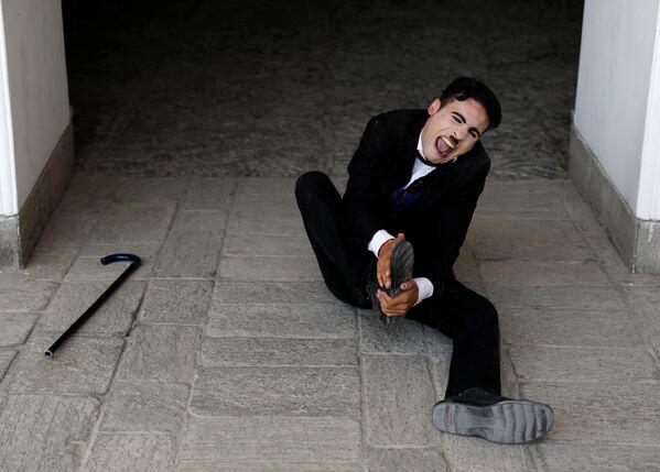 Чарли Чаплин из Афганистана - Sputnik Узбекистан