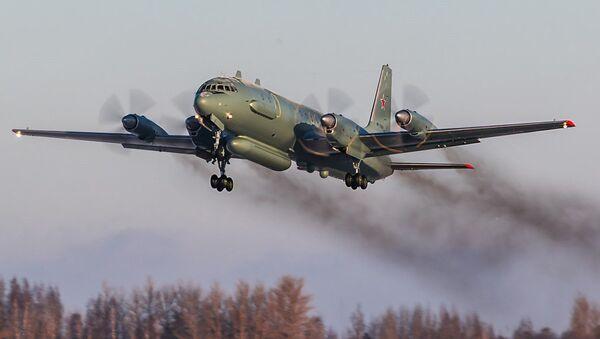 Самолёт - разведчик Ил-20м - Sputnik Ўзбекистон