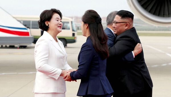 Визит лидера Южной Кореи Мун Чжэ Ина в Пхеньян для встречи с главой КНДР Ким Чен Ыном - Sputnik Ўзбекистон