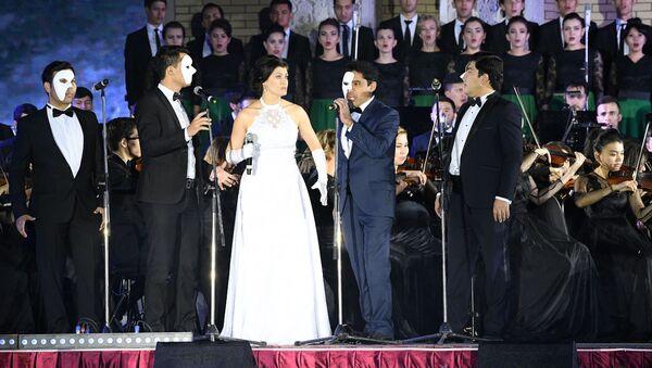 Симфонический концерт — Open Air Ночь серенад, классики и рока - Sputnik Узбекистан