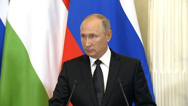 Путин о сбитом в Сирии российском самолете ИЛ-20 - Sputnik Ўзбекистон