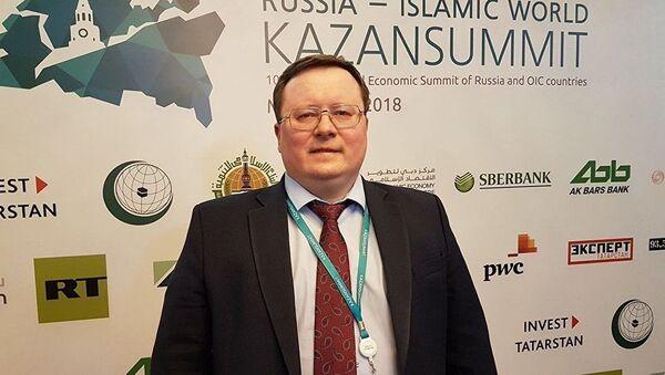 Директор аналитического департамента Альпари Александр Разуваев - Sputnik Ўзбекистон