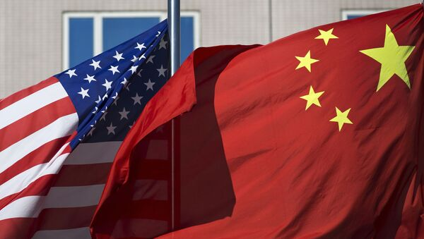 Флаги США и Китая - Sputnik Ўзбекистон