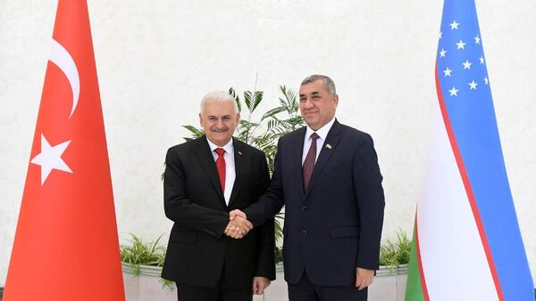 Binali Yildirim i Nigmatulla Yoʻldoshev - Sputnik Oʻzbekiston