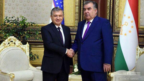 Shavkat Mirziyoyev i Emomali Raxmon proveli vstrechu - Sputnik Oʻzbekiston