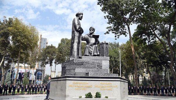 В Душанбе открыты памятники Алишеру Навои и Абдурахману Джами - Sputnik Узбекистан