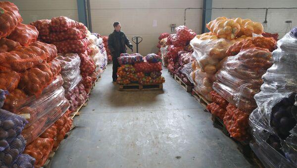 Овощной склад - Sputnik Узбекистан