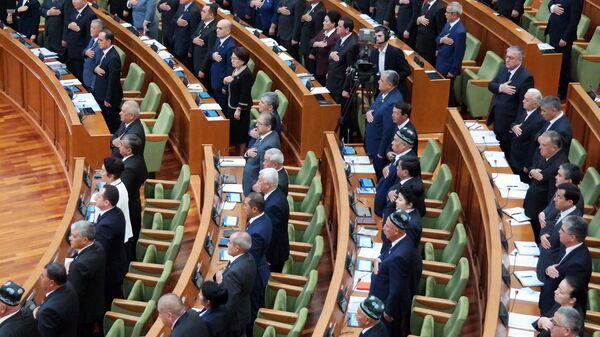 Oliy Majlis Senatining oʻn oltinchi yalpi majlisi - Sputnik Oʻzbekiston