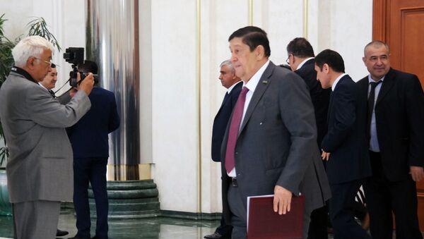 Senatorlar faoliyatidan bir kun - Sputnik Oʻzbekiston