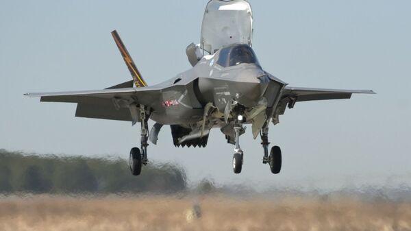 Amerikanskiy istrebitel F-35B  - Sputnik Oʻzbekiston