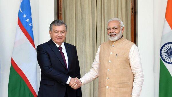 Президент Узбекистана Шавкат Мирзиёев провел встречу с Премьер-министром Индии Нарендрой Моди - Sputnik Ўзбекистон