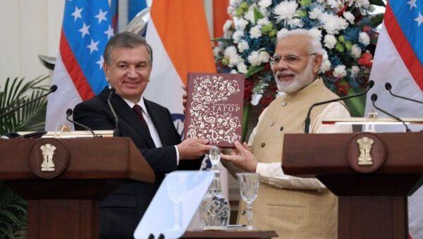 Президент Шавкат Мирзиёев и премьер-министр Индии Нарендра Моди провели переговоры в расширенном составе - Sputnik Ўзбекистон