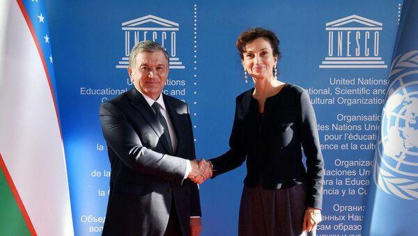 Президент Узбекистана Шавкат Мирзиёев и Генидректор ЮНЕСКО Одри Азуле - Sputnik Ўзбекистон