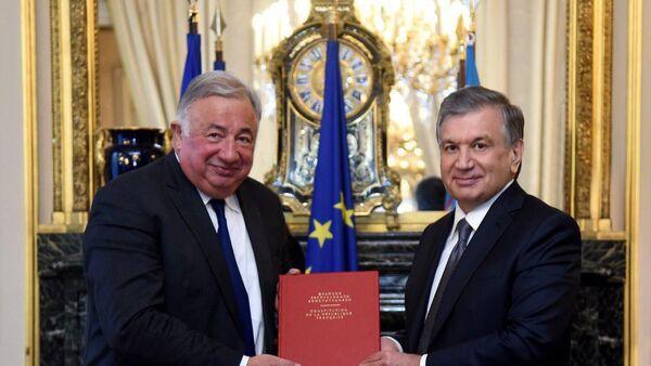Шавкат Мирзиёев встретился с председателем Сената Франции - Sputnik Ўзбекистон