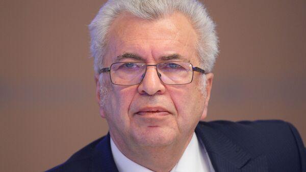 Академик РАО, директор школы № 109 Евгений Ямбург - Sputnik Узбекистан