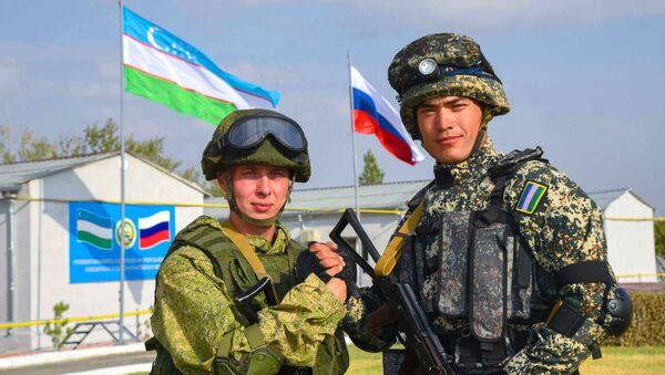 Военослужащие РФ и РУз - Sputnik Ўзбекистон