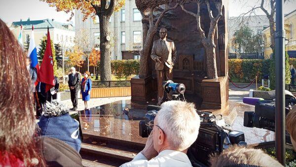 Церемония открытия памятника первому президенту Узбекистана Исламу Каримову в Москве - Sputnik Ўзбекистон