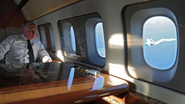 Президент РФ В. Путин посетил авиабазу Хмеймим в Сирии - Sputnik Ўзбекистон