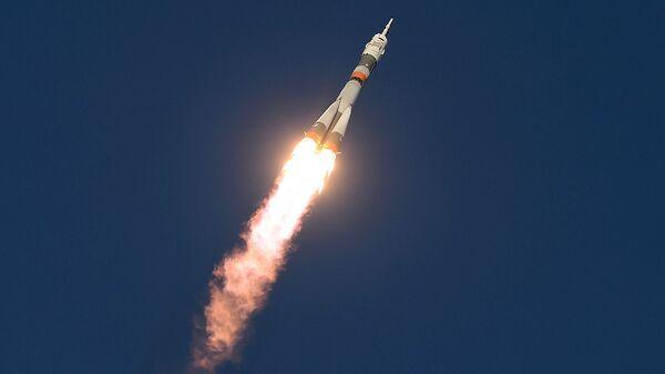 Старт космического корабля Союз ТМА-19М с космодрома Байконур - Sputnik Узбекистан