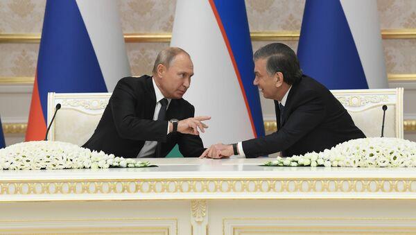Президент России Владимир Путин и президент Узбекистана Шавкат Мирзиёев - Sputnik Ўзбекистон