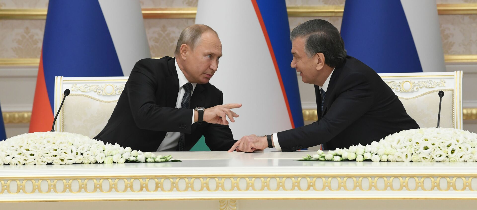 Президент России Владимир Путин и президент Узбекистана Шавкат Мирзиёев - Sputnik Узбекистан, 1920, 12.02.2020