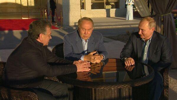 Putin i Mirziyoyev proveli vыxodnыe na yuge Kazaxstana – video - Sputnik Oʻzbekiston